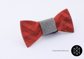 Small_harold-wooden-bowtie__68309.1352930265.1280.1280